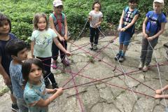 spinnennetz-kinder-wald-geburtstag-dinges-natur-schule.